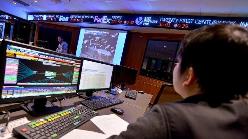 Photo of the Greenleaf Trust Trading Room.