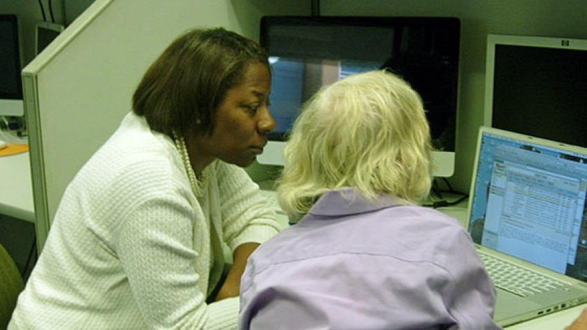 an instructional designer assisting a faculty member