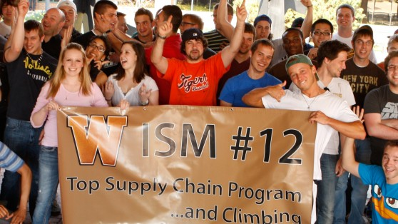 Photo of ISM students celebration national ranking